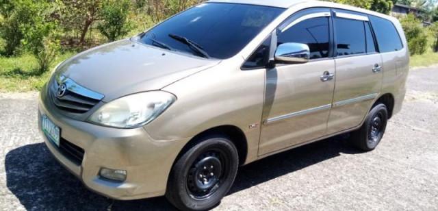 2011 Toyota Innova G